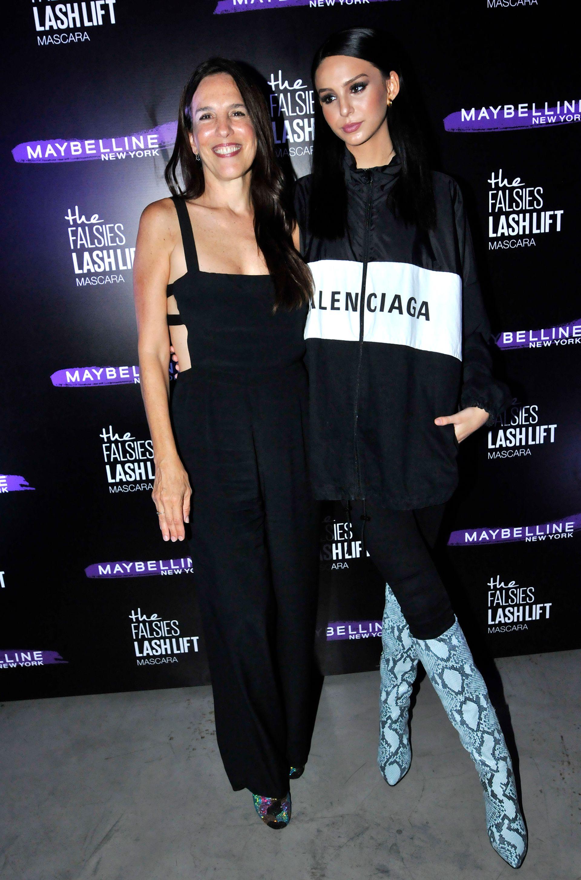 Paula Robles y Juanita Tinelli