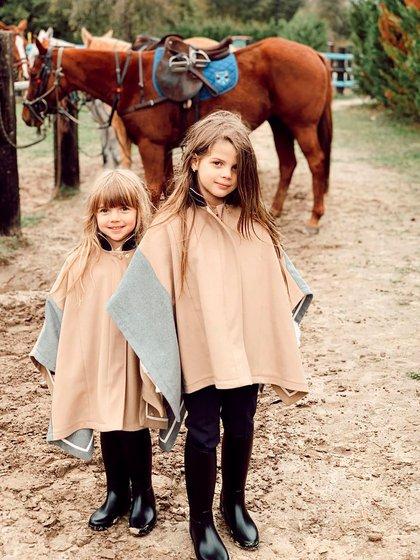 Francesca e Isabella, en su casa de campo (@wanda_icardi)