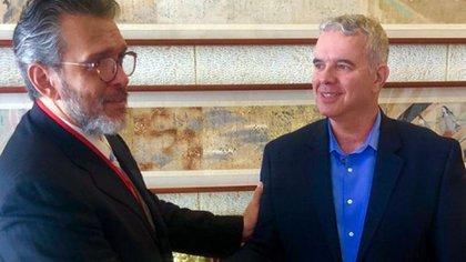 El embajador de Venezuela en Canadá, Orlando Viera Blanco, junto al Director del Dpto. de América Latina y el Caribe de la cancillería israelí, Modi Ephraim