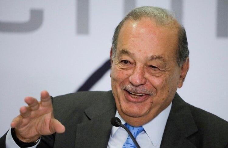 El magnate mexicano de las telecomunicaciones Carlos Slim era el hombre más rico del mujndo en 2010. Hoy ocupa el 5° puesto en la tabla. (REUTERS/Luis Cortes)