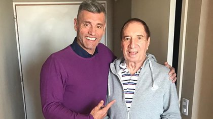 El Doctor, junto a Sergio Goycochea, en una de sus visitas