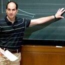 Juan Martin ha hecho muchos y muy originales aportes a la física teórica, que abarcan desde las teorías de cuerdas y los agujeros negros a sistemas que se pueden construir en un laboratorio