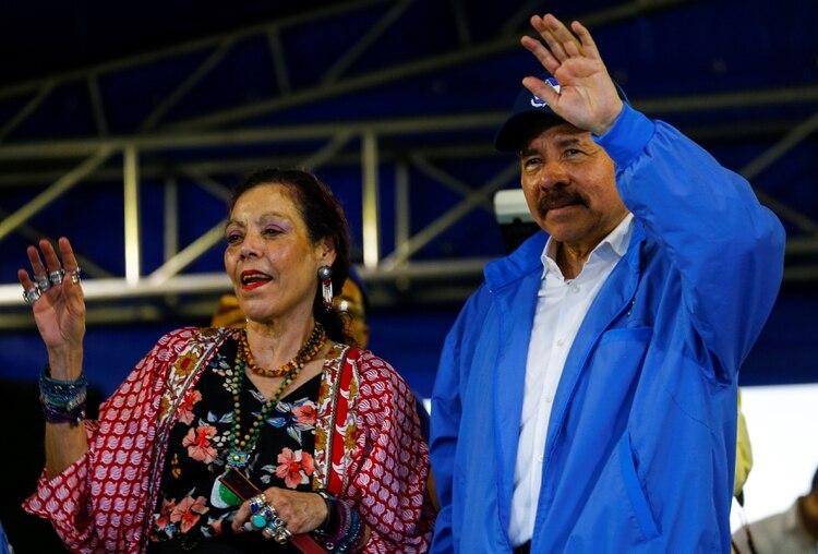 El mandatario nicaragüense Daniel Ortega y su esposa, la vicepresidente Rosario Murillo, durante un acto en Managua (REUTERS/Oswaldo Rivas)