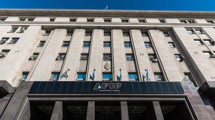 La AFIP controlará a empresas y monotributistas que no cumplieron con los requisitos