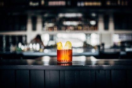 No hay que tener miedo a repetir experiencias que fueron placentera, como tomarte tu trago favorito en tu restaurante preferido.
