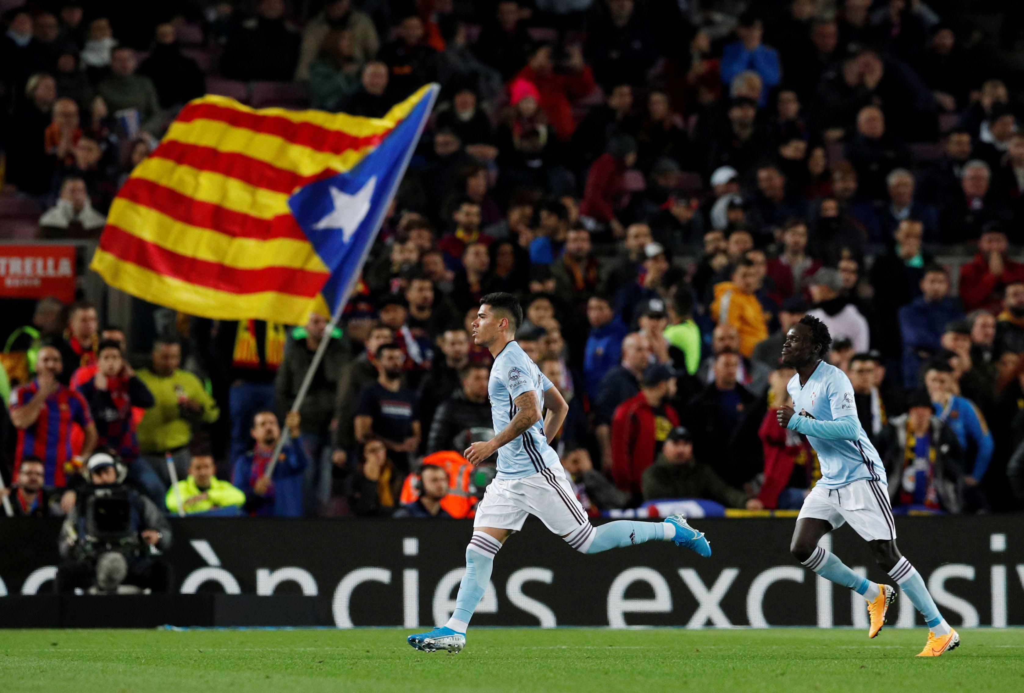 En Celta de Vigo se encuentra desde enero de 2019. En el equipo español marcó un gol, en el Camp Nou y frente al Barcelona (REUTERS/Albert Gea)