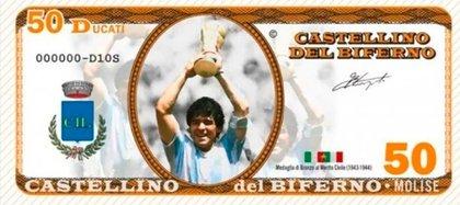 En el billete de 50 Maradona aparece levantando la Copa del Mundo en México