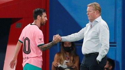 Ronald Koeman insistió en que Lionel Messi es el único que puede decidir sobre su futuro (REUTERS)