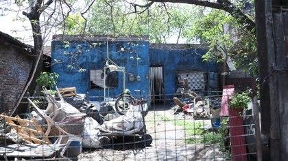 Hoy, la primera casa de la familia Maradona pertenece a unos vecinos no queridos por el barrio (Tomás Kazkhi)