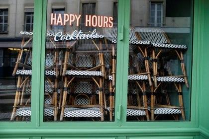 Bar cerrado en París. REUTERS/Charles Platiau