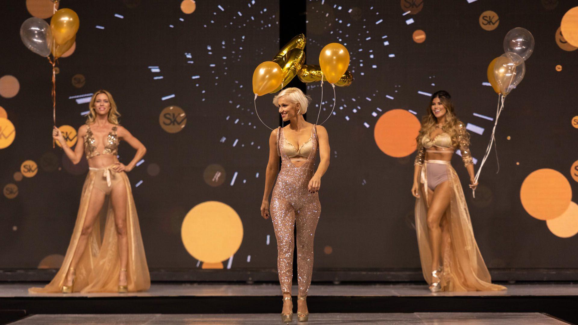La increíble apertura del desfile Silkey Mundial Moda & Coiffure 2019. Una puesta que desbordó glamour y alta costura entreun abanico de top models como Ingrid Grudke, Nicole Neumann, Taína Laurino ySofía Zámolo