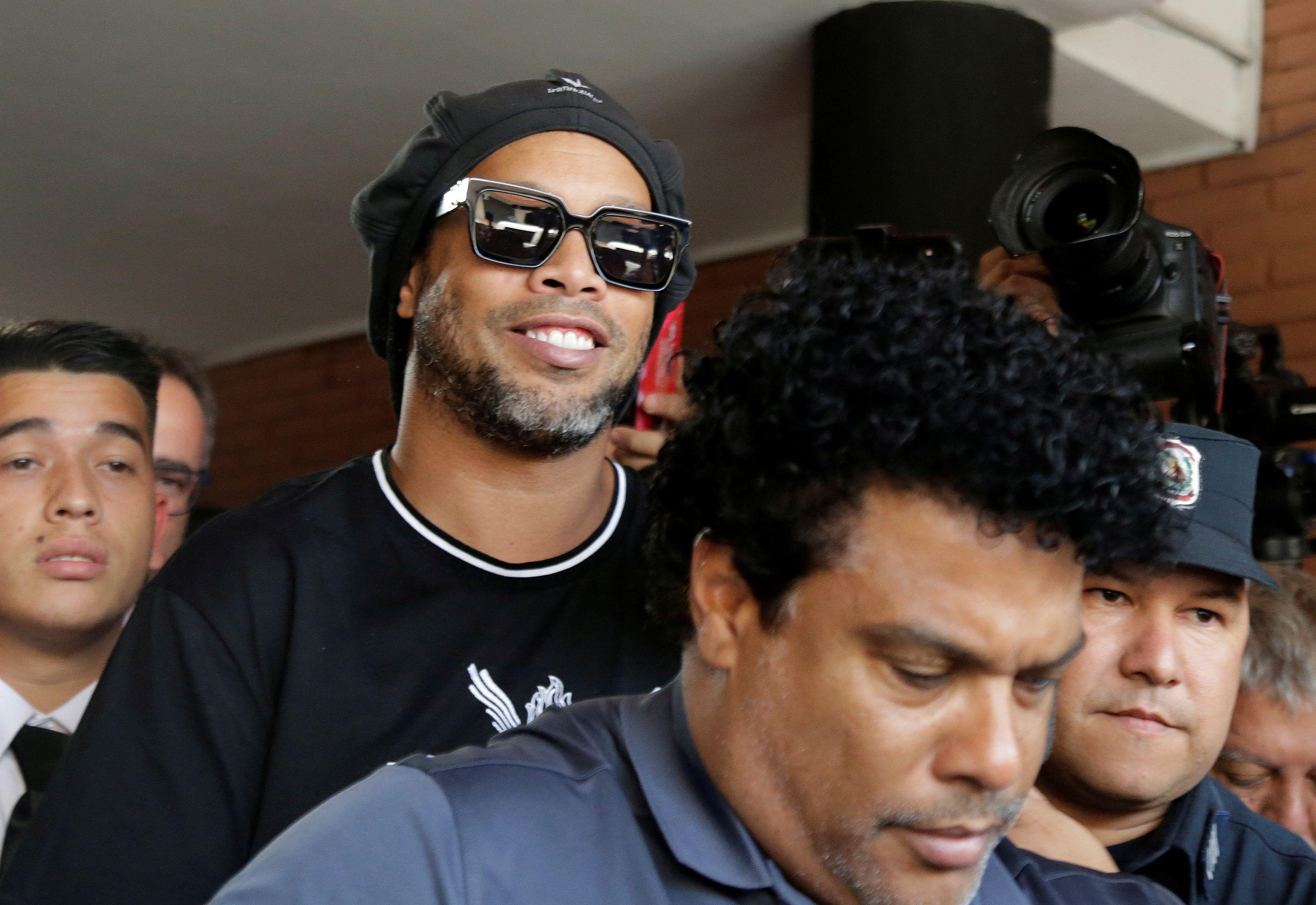 Ronaldinho y su hermano Roberto llevan más de cinco meses detenidos en Paraguay (REUTERS/Jorge Adorno)