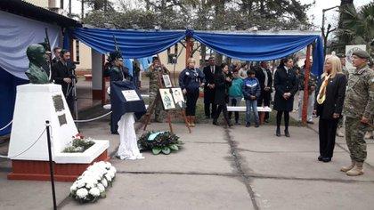 El acto recordó a los caídos durante el combate con integrantes del ERP