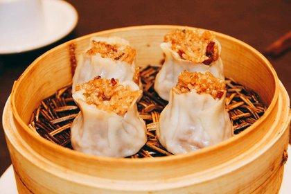 Los ravioles chinos que se comen de un solo bocado