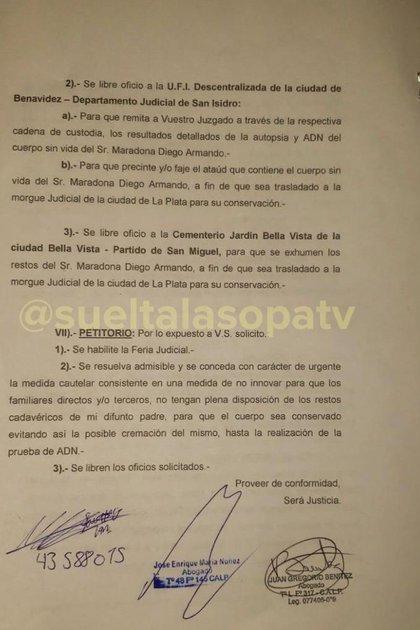 """El pedido de Santiago Lara (Fotos: """"Suelta la sopa"""" - Telemundo)"""