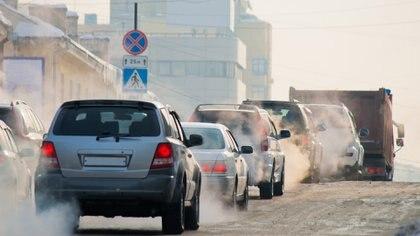 A partir de 2040 no se podrá vender autos a gasolina y diésel (iStock)