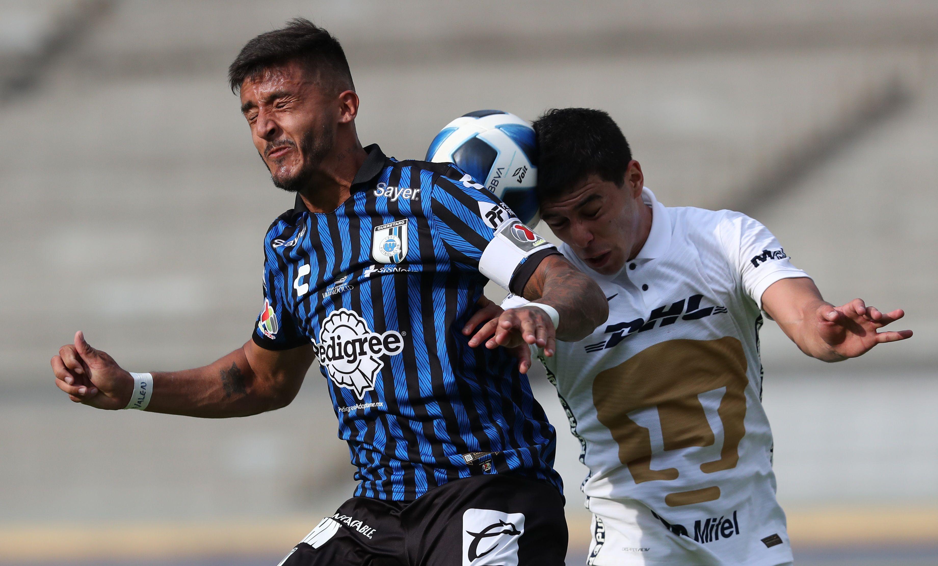 Imagen de archivo del uruguayo Kevin Ramírez (i) de Querétaro. EFE/ Mario Guzmán