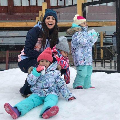 Cinthia Fernández con Charis, Bella y Francesca (Foto: Instagram)