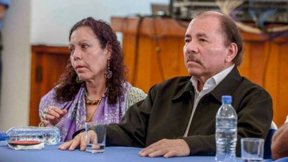 Este domingo se cumplen 32 días desde la última vez que se vio a Daniel Ortega y Rosario Murillo en una actividad pública. Desde entonces a Murillo se le ha oído hablar por teléfono en medios oficialistas, y de Ortega no se ha sabido nada.