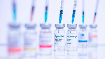 El Fondo de Inversión Directa de Rusia inició los trámites para registrar el desarrollo de la Sputnik Light, su vacuna de una sola dosis contra el coronavirus, dirigida al mercado exterior (Shutterstock)