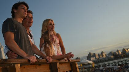 La familia Gravier - Mazza disfruta de unos días de vacaciones en Punta del Este (Fotos: Ovo Beach)