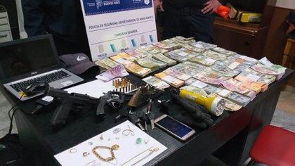 Delincuentes entraron a robar a una casa en Bahía Blanca el 13 de agosto y se llevaron más de 300 mil dólares de la caja fuerte