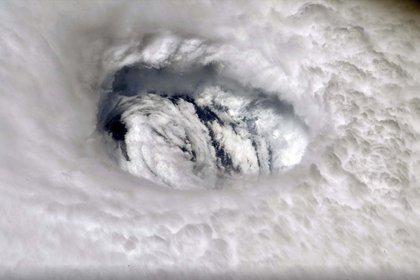 La furia del huracán desde el espacio (Nick Hague/NASA via AP)