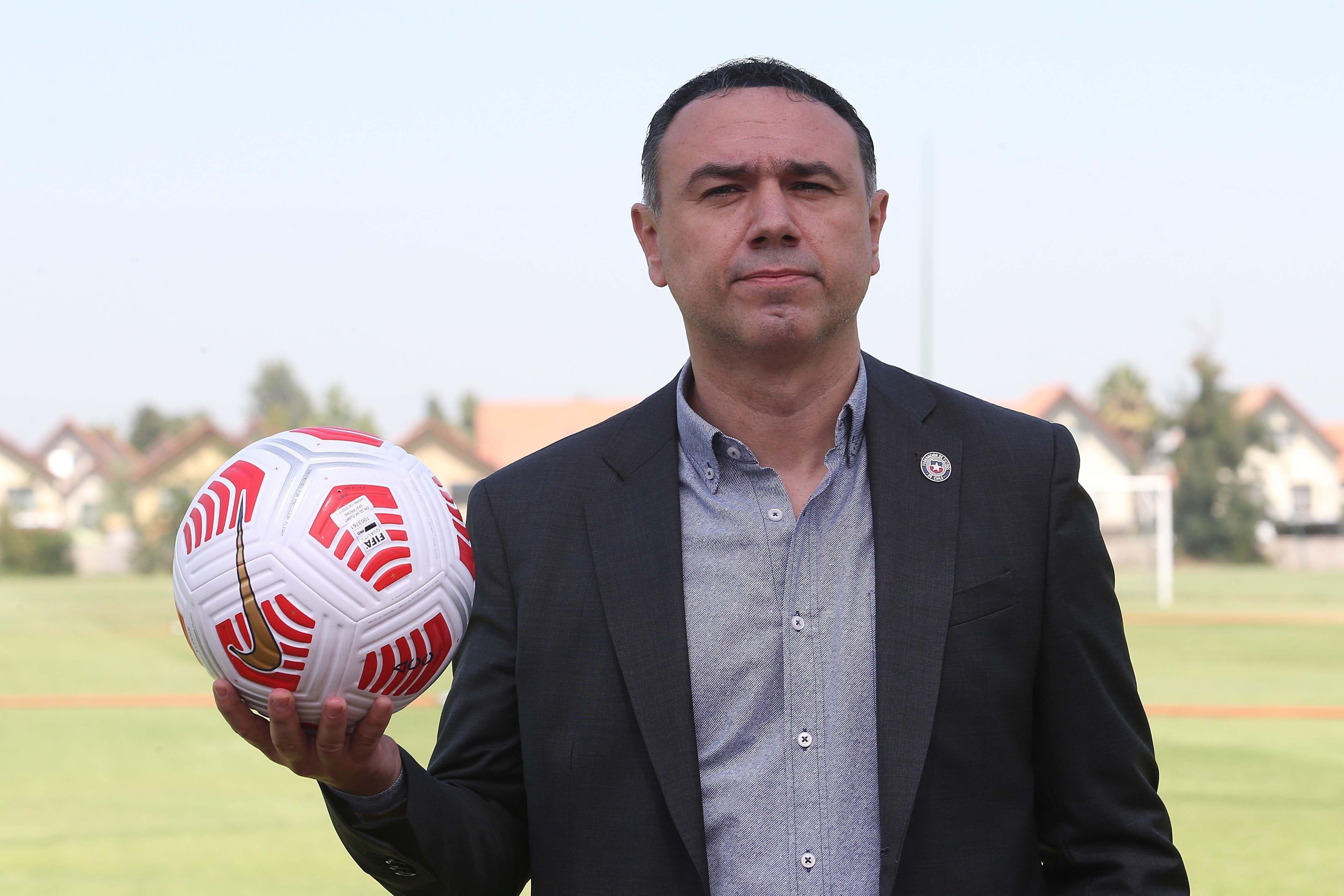 Francis Cagigao, director deportivo de la selección de Chile (EFE)