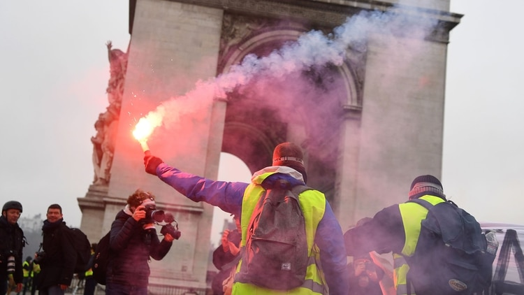 El Arco de Triunfo también fue escenario de la sprotestas(AFP)