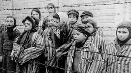 De los 6 millones de personas de religión judía que fueron asesinados por el régimen nazi, se estima que entre 1,5 y 2,5 millones pasaron por Auschwitz desde su apertura en mayo de 1940. (Exposición del Museo Memorial del Holocausto)