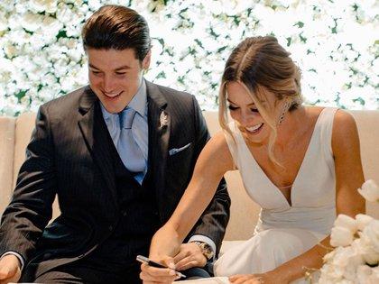 La pareja ha sido blanco de críticas en la pandemia, pues decidieron celebrar su boda en medio de una crisis sanitaria (Foto: Archivo)