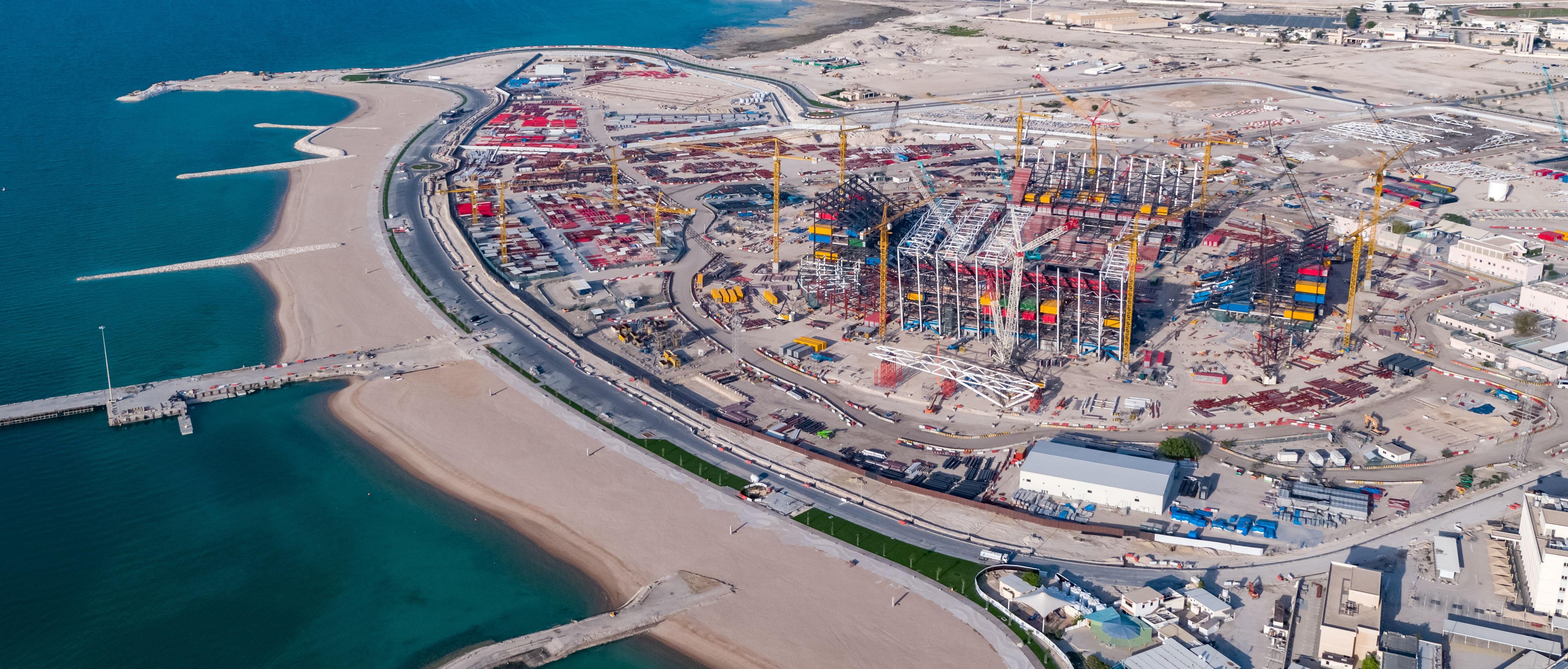 El Estadio Ras Abu Aboud, ubicado en el paseo marítimo de Doha, será completamente desmantelado con secciones donadas para el desarrollo de infraestructura deportiva en otras naciones.