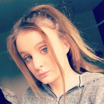 Chloe Middleton, de High Wycombe, Reino Unido murió por coronavirus. Tenía apenas 21 años (Facebook)