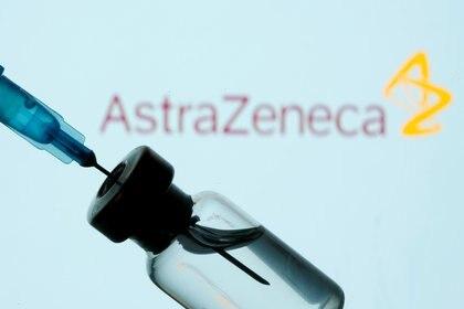 Vacuna de AstraZeneca. REUTERS/Dado Ruvic/Ilustración/Archivo