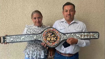 En la obra intervinieron intervinieron Vianey Rebeca Flores Martínez y Raúl Pérez Carmona (Foto: Twitter/@_BrianPrado)