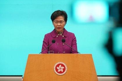 La jefa del Ejecutivo de Hong Kong y alineada con el régimen de Beijing, Carrie Lam, apoyó la iniciativa de Xi Jinping (Reuters)