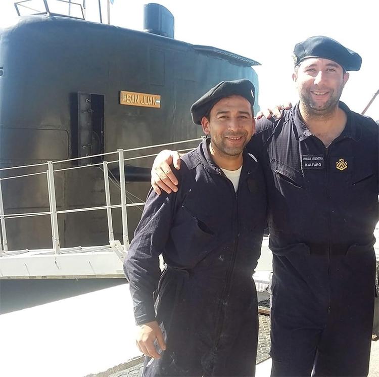 A la derecha de la imagen Gabriel Alfaro Rodriguez, junto a su compañero Luis Leiva