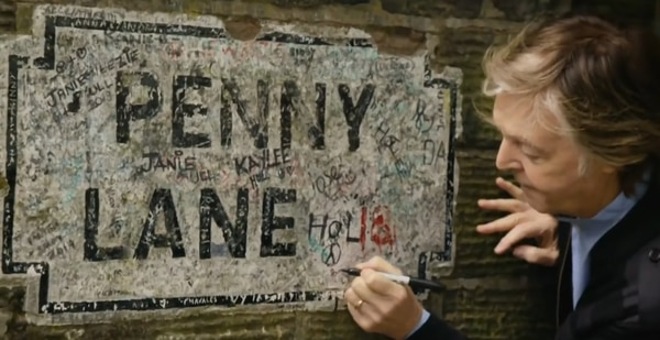 McCartney sumó su requerido autógrafo al cartel de Penny Lane