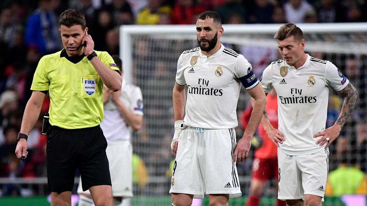 La polémica jugada en la que intervino el VAR que sentenció la goleada del  Ajax ante el Real Madrid 61dd3d2864871