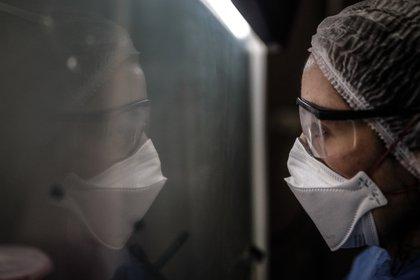 La reinfección sin síntomas no es lo mismo que volver a enfermarse (EFE/Juan Ignacio Roncoroni/Archivo)