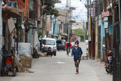 La Villa 31 es uno de los barrios de emergencia más afectados por el coronavirus REUTERS/Agustin Marcarian