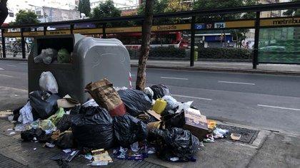 El gobierno porteño revisará los contratos en servicios como la recolección de basura.