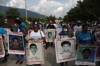 """Cuando el Ejército mexicano participó en el 2014 en el ataque contra los normalistas y la desaparición de los 43 estudiantes, Cienfuegos """"mintió y protegió a los participantes"""" (Foto: REUTERS/Henry Romero)"""