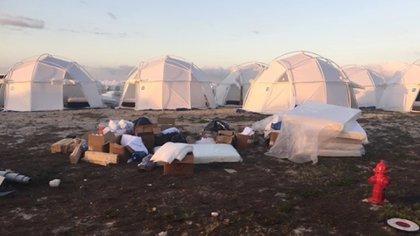 Las carpas improvisadas en terrenos descampados fue lo que se encontraron los asistentes (iStock)
