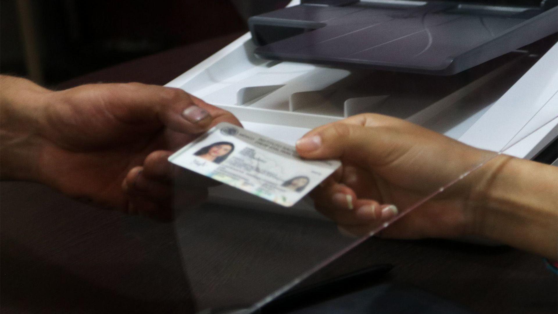 Los módulos del INE fueron reabiertos el día de hoy para que los capitalinos puedan recoger su credencial de elector