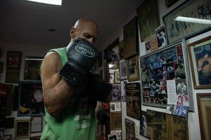 Castellini en su gimnasio del centro porteño, donde fue uno de los precursores en la formación de mujeres boxeadoras y que espera reactivar en cuanto pase la pandemia.