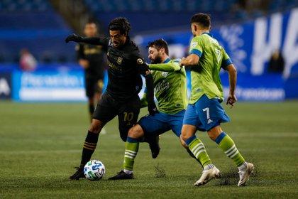 El trío de Seattle anotó tres goles mientras Saunders avanzaba a las semifinales de la Conferencia Oeste.  Se enfrentarán al FC Dallas la próxima semana.  (Crédito: Jennifer Buchanan-USA Today Sports)