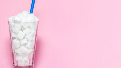 Lo que se conoce como azúcar en realidad es la sacarosa, que es un producto industrializado (Getty)