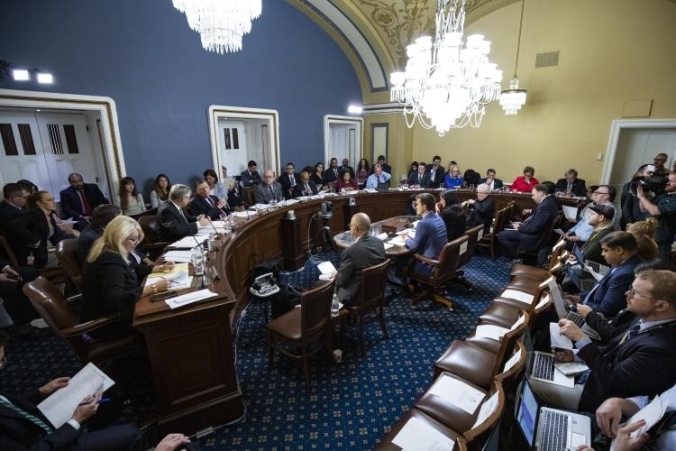 Debate en el Comité de Reglas de la cámara baja (AFP)