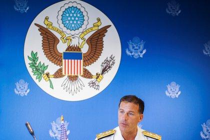 El almirante estadounidense John C. Aquilino, jefe de la Flota del Pacífico (REUTERS/Panu Wongcha-um)